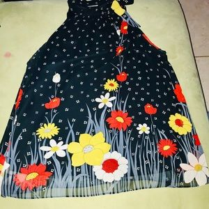 2/30 Beautiful Floral Top with Side Neck Tie